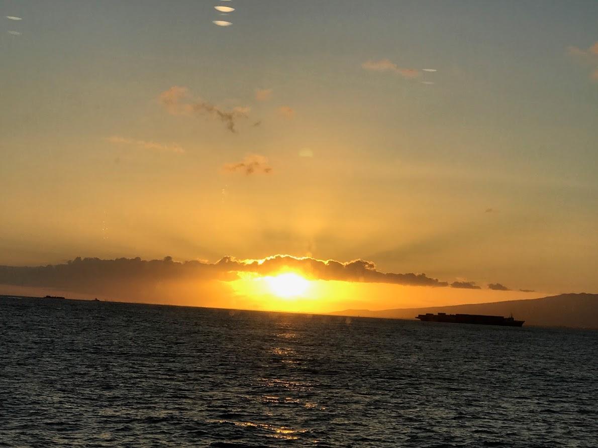 「ハワイオハフ島の夕日」恵子さん