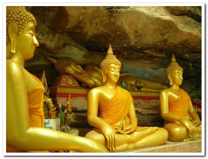 Wat Tham Khuha Sawan - Khong Chiam - Ubon Ratchathani Province - In the cave