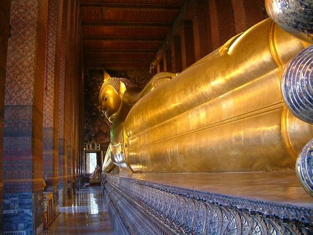 Wat Pho Bangkok - The 46 Metres Long Reclining Buddha