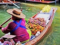 Watch the Damnoen Saduak Floating Market Gallery here