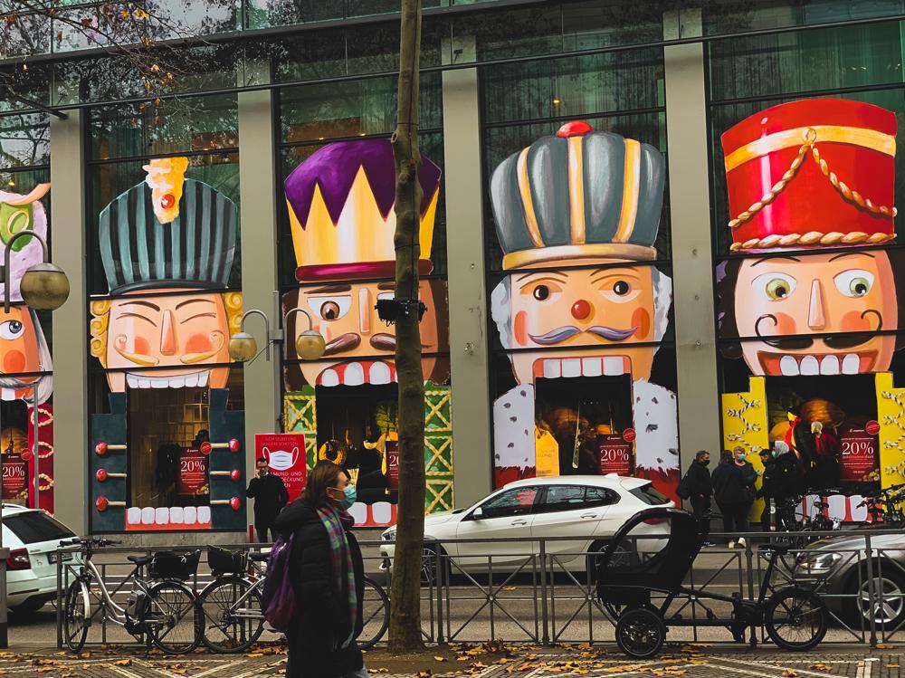 Weihnachtsbilder am Kaufhaus