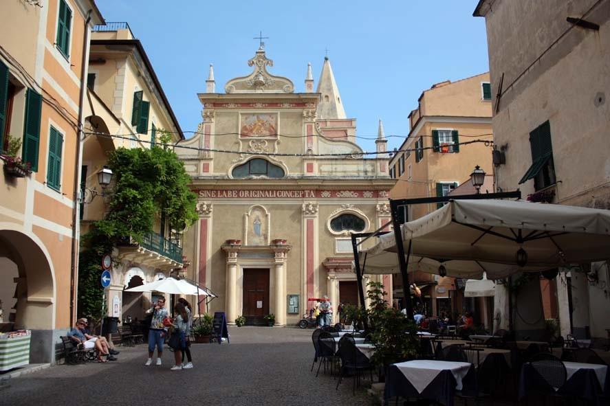 Kirche in Pietra Ligure (It)