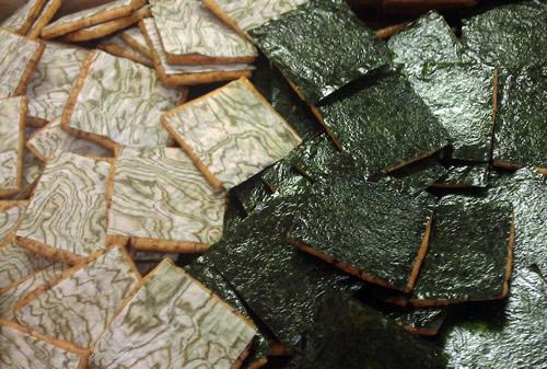 焼き海苔とおぼろ昆布せんべい
