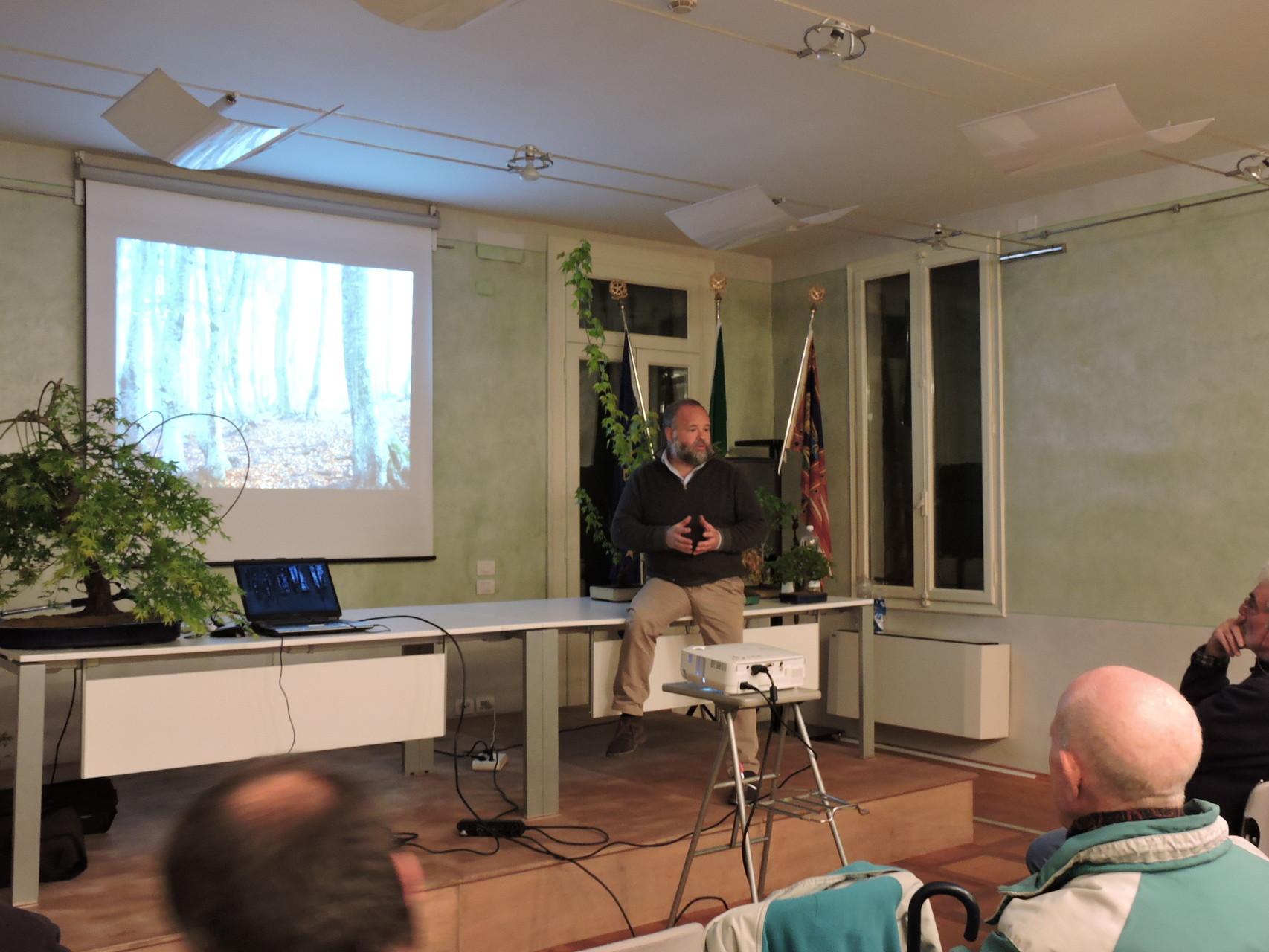 Conferenza del maestro Edoardo Rossi