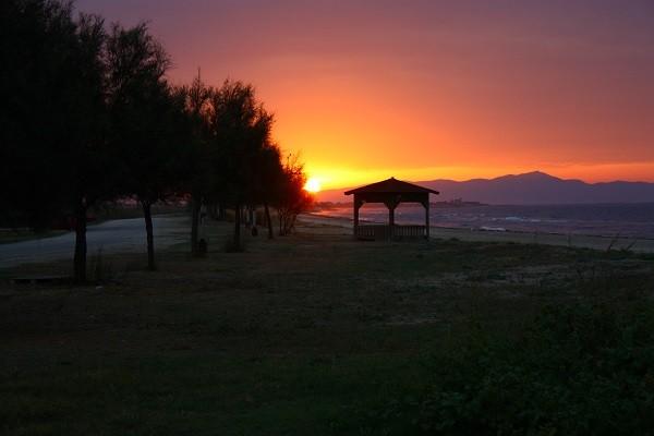 Sonnenaufgang am Paralia Mesi - wie schon vor 2 Jahren: einfach nur schön.