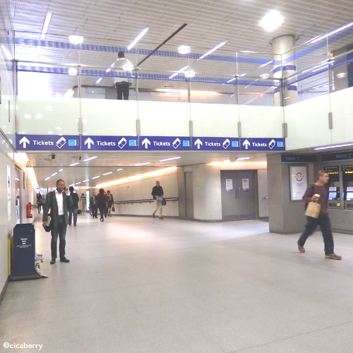 ▲今回の旅で何度もお世話になりました。King's Cross St. Pancras station(長)