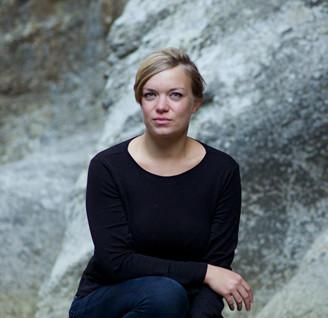 (c) Jeannette Corbeau