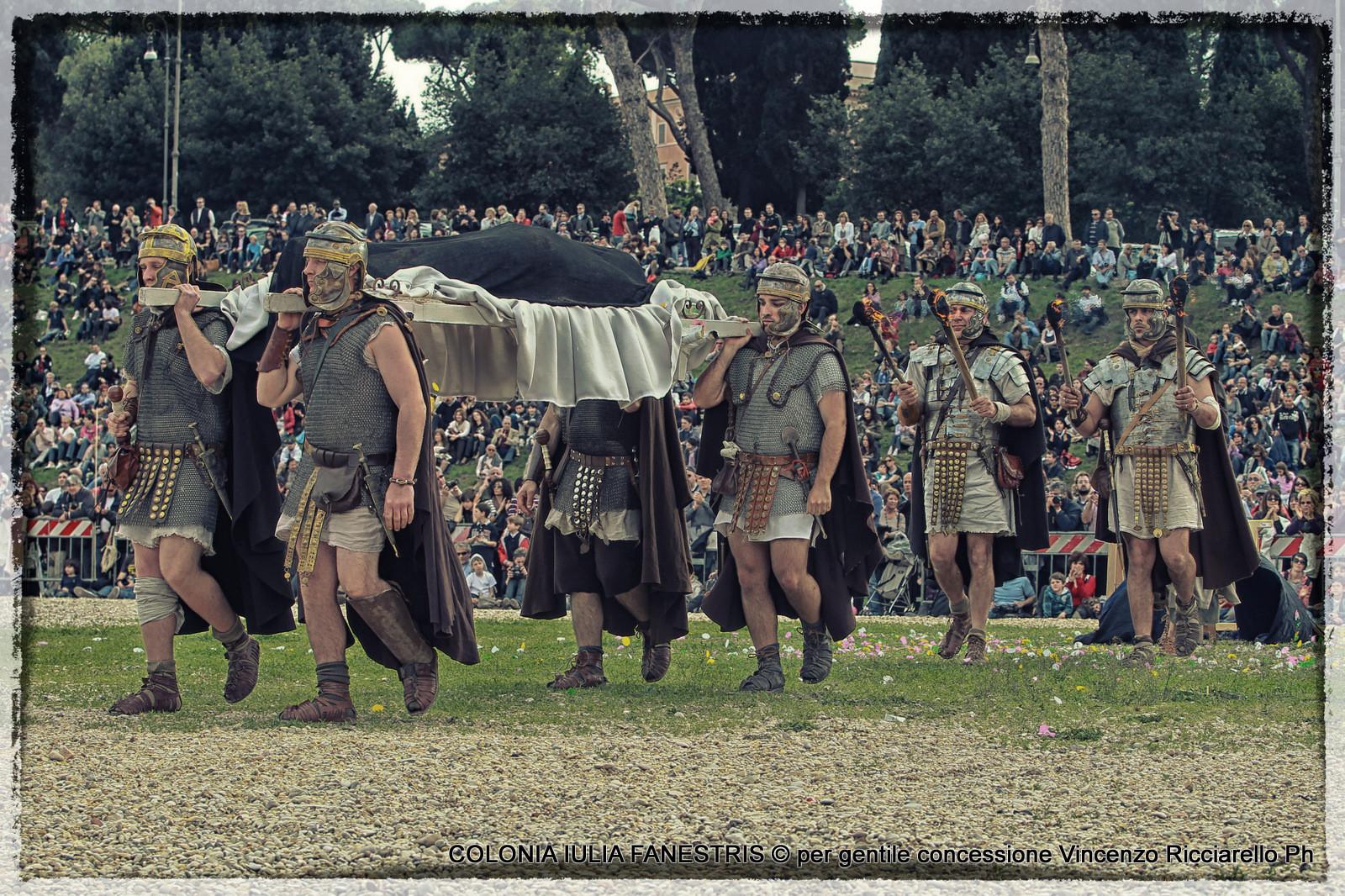 Matrimonio Rituale Romano : Il funerale romano colonia iulia fanestris
