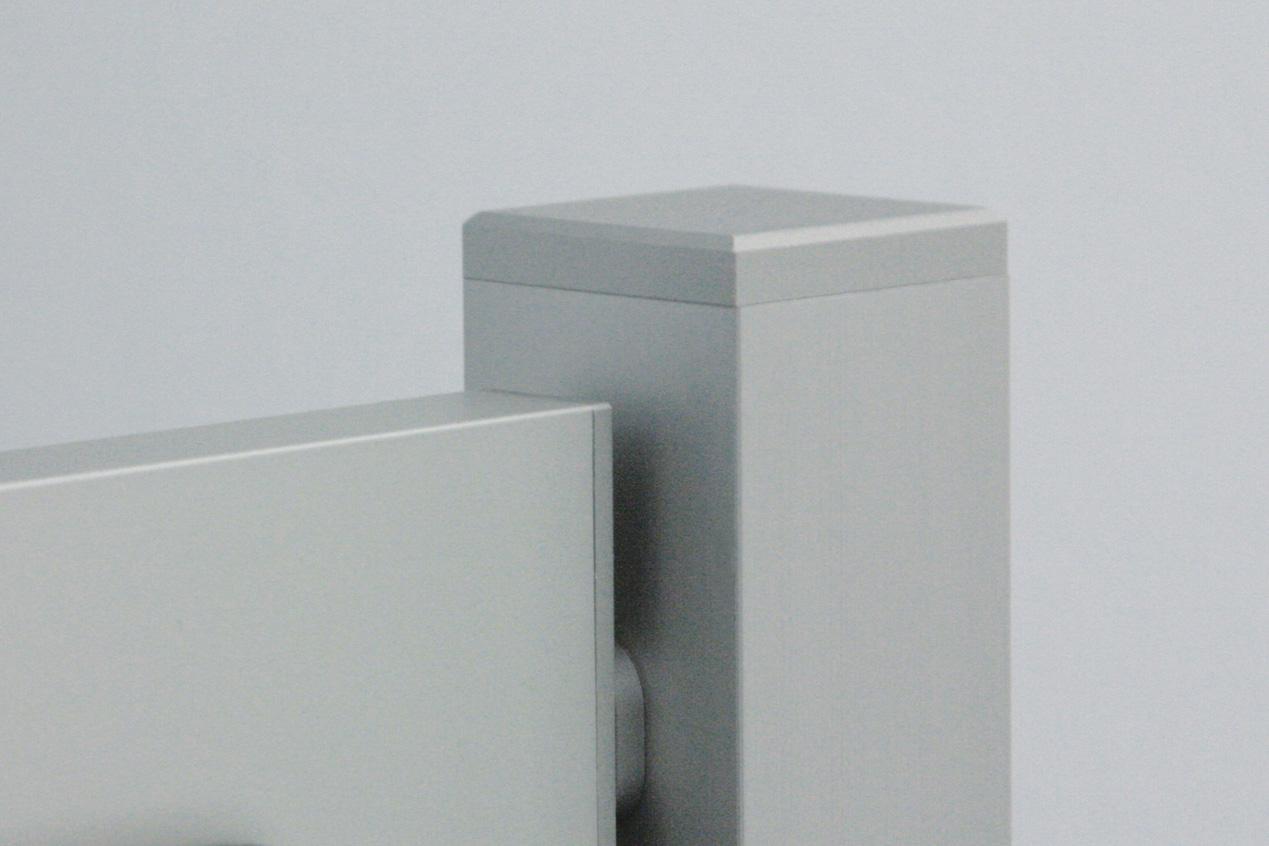 ParkSign mit perfekt gefrästen Aluminium-Kappen