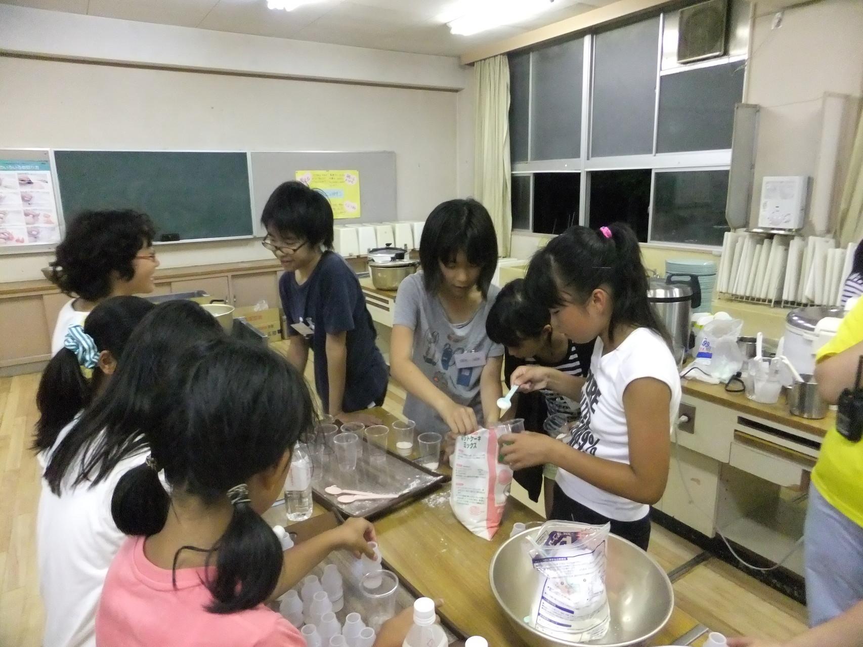 ポリ袋蒸しパン作り