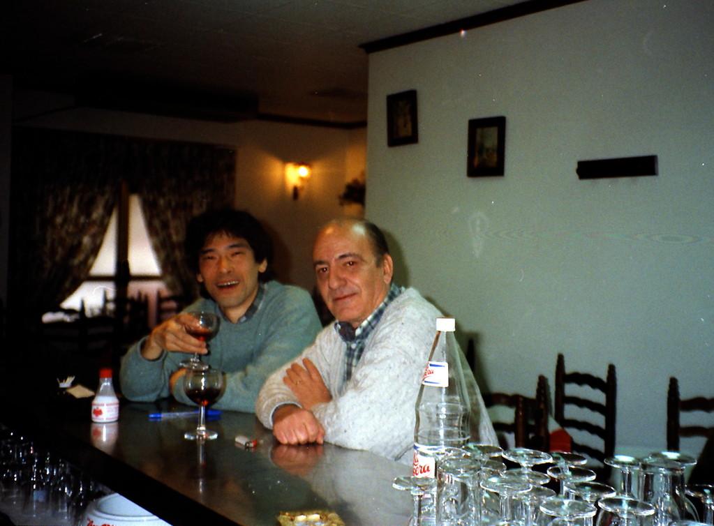 1995.レッスン後、マエストロとバルで赤ワインで〜
