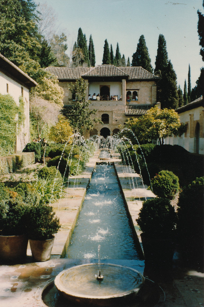 アランブラ宮殿内