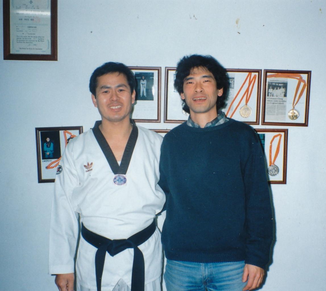 近所に住む、跆拳道のチュンさんと。