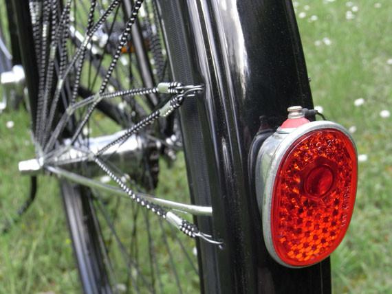 Bild: MiFa,Tourenrad,Modell 152,Restauration,altes Rücklicht,LED,Gleichrichter,Lade-Elko,Lichtausbeute,Scheinwerfer,oval,alt,Schutzblech