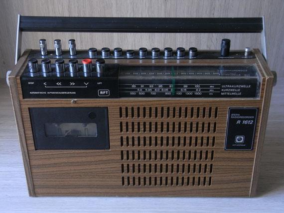 Bild: RFT Stern Recorder R 1612,Kassettenrekorder,Kassettenrecorder,Radio,DDR,RFT,Reparatur,Restauration,Defekt,Überholung,Ersatzteile,instandsetzen,reparieren,überholen,aufarbeiten,kaputt