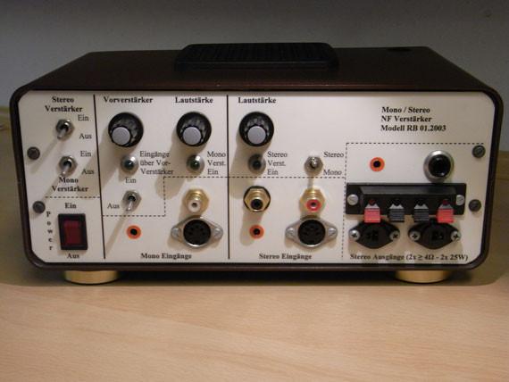 Bild: Prüf-NF-Verstärker,Eigenbau,Prüfverstärker,Mono,Stereo,Anschlüsse,Front,Platinen,Leiterplatten,Transformator,Trafo,Steckkarten,Module,Gerät,Lautsprecher,Schallwandler,Signalquellen,testen