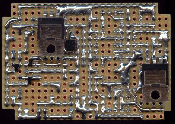 Bild: Elektronischer Regler,Elektronikzündung,elektronische Zündung,MZ Motorrad,Eigenbau,Platine,Leiterplatte,Lochraster