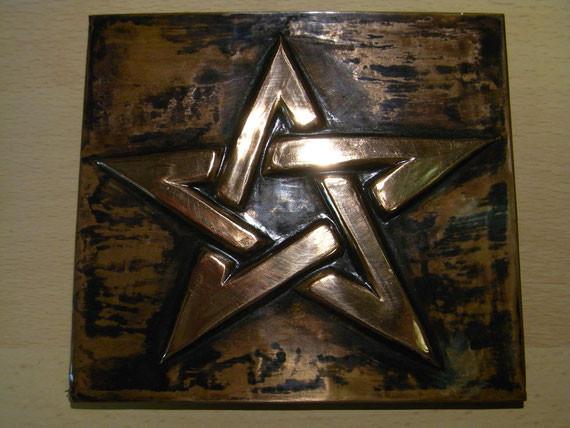 Bild: Kupferarbeit,Kupferprägearbeit,Prägearbeit,Prägetechnik,endlos verschlungener Stern