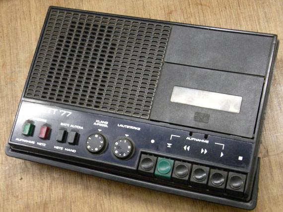 Bild: RFT Sonett '77,Kassettenrekorder,Kassettenrecorder,Radio,DDR,RFT,Reparatur,Restauration,Defekt,Überholung,Ersatzteile,instandsetzen,reparieren,überholen,aufarbeiten,kaputt