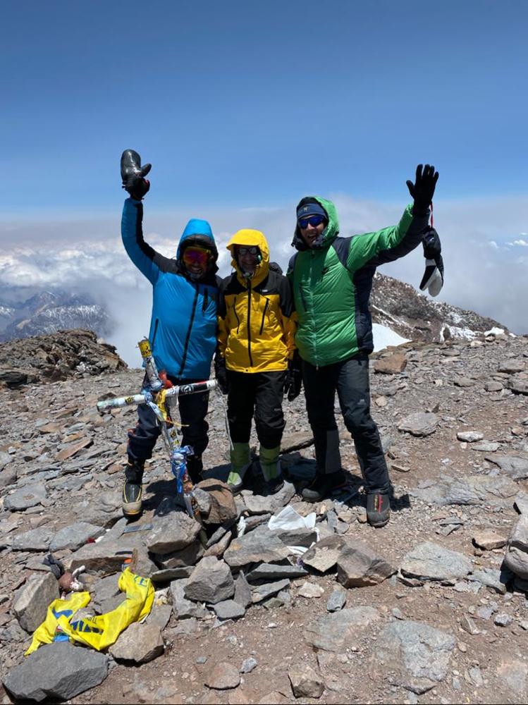 Gipfelerfolg am Aconcagua in Südamerika, einer der Seven Summits, höchster Berg Südamerikas mit AMICAL alpin
