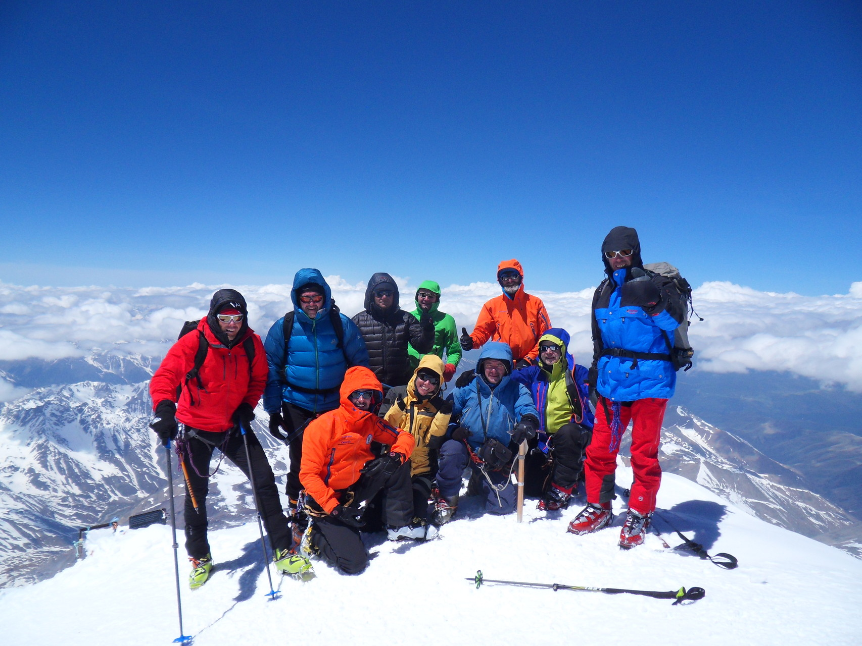 Unsere Gruppe komplett mit allen Teilnehmern am Gipfel