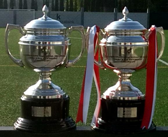 Los dos campeonatos de Liga de 3ª División conseguidos por el Laudio en las temporadas 2011-12 y 2012-13.