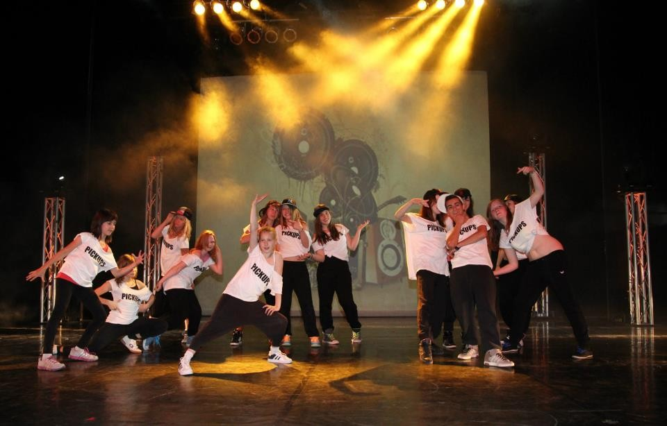 """Pickups"" Hip Hop Intermediate Dance Show, Choreo: Hannah Weber"