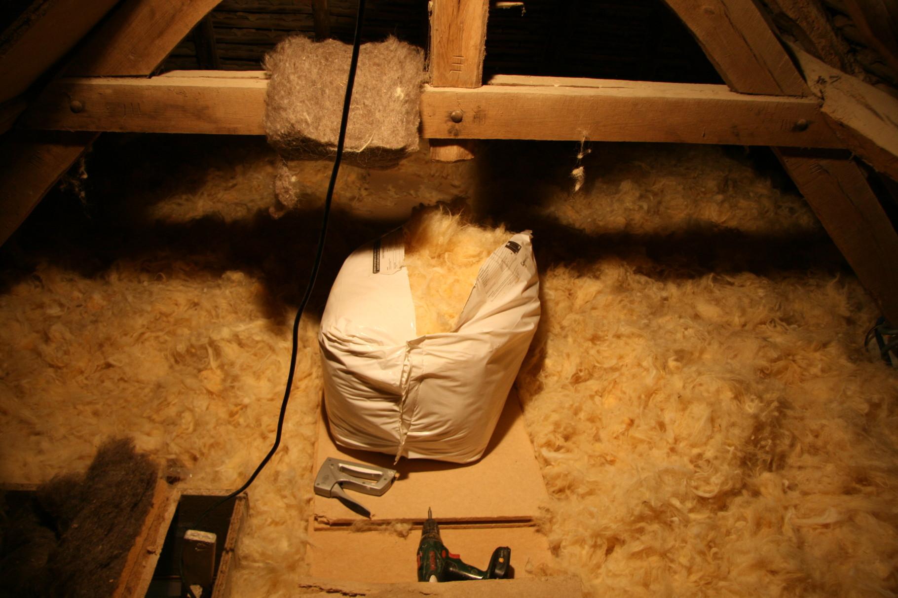 la laine de mouton en vrac dans les combles perdus