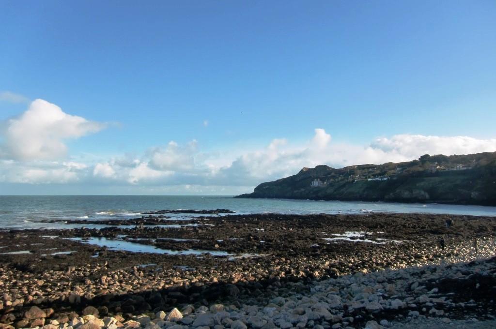 Die irische Küste von Howth