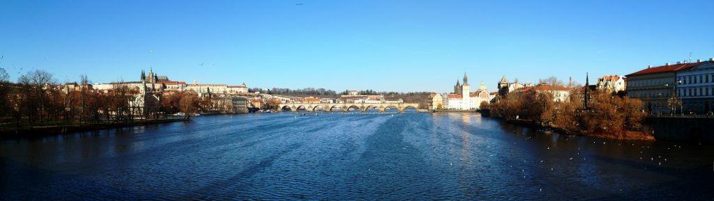 Moldau mit Karlsbrücke