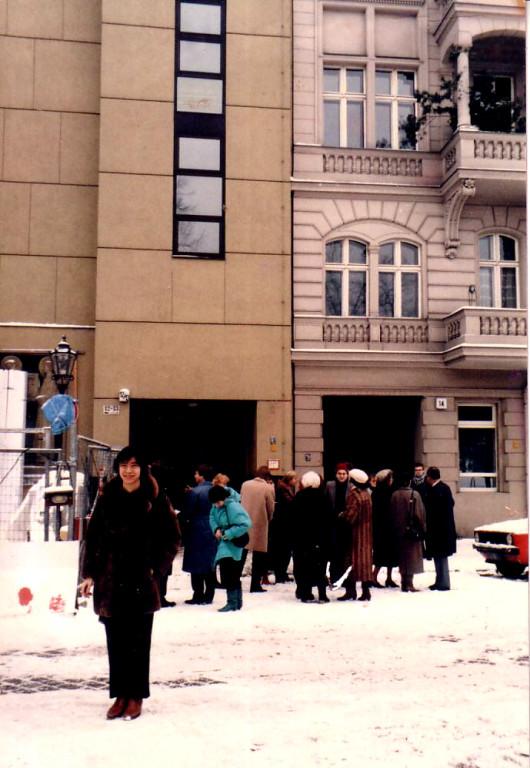 ベルリンのカソリック教会前で ハイドンのミサを演奏しました 1986年12月25日