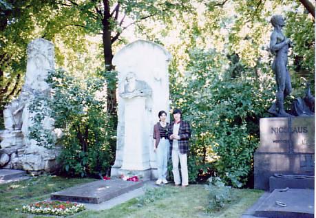 ヴィーン(Wien)中央墓地、J.シュトラウスⅡ&ブラームス 1987年春
