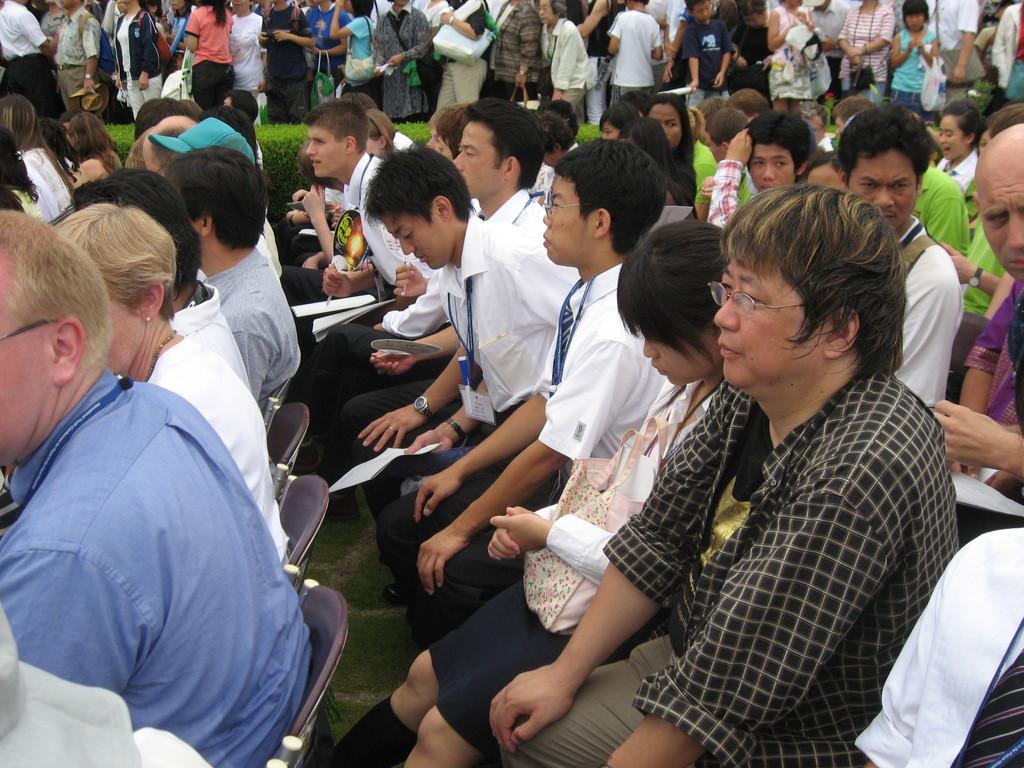 黙祷!2007年8月6日午前8時15分 広島平和公園