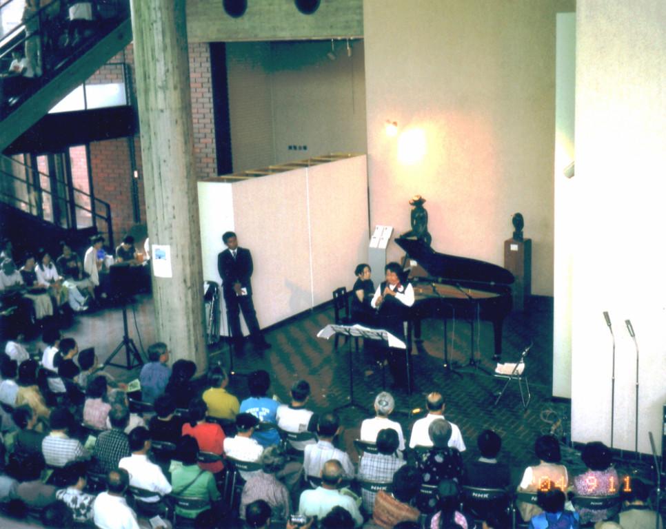 2004年9月11日NHK熊本放送局主催 熊本県立美術館での第173回美術館コンサート