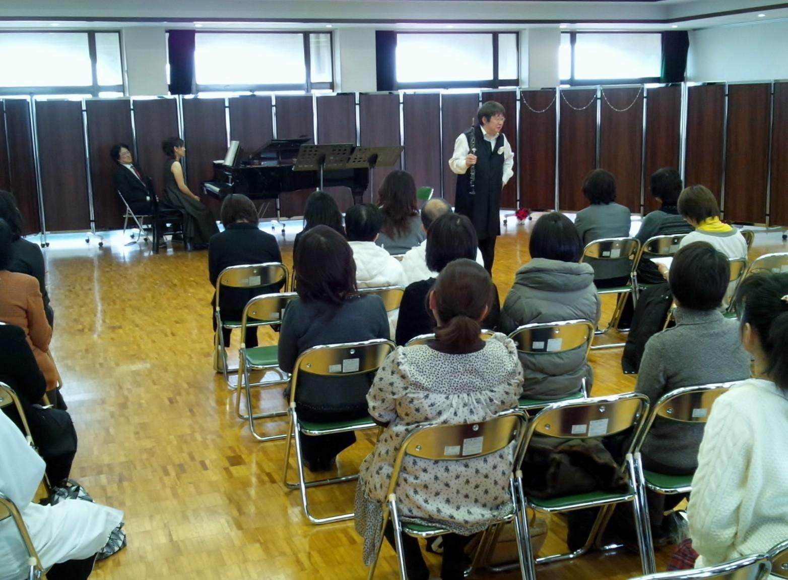 東筑紫学園(福岡、北九州市)保護者文化委員会主催コンサート