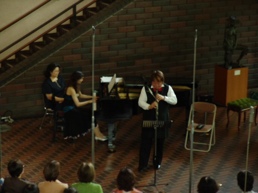 NHK熊本放送局主催の熊本県立美術館での第130回美術館コンサート。2009年5月23日
