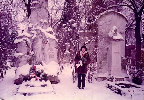 ヴィーン(Wien)中央墓地、J.シュトラウスⅡ&ブラームス 1984年