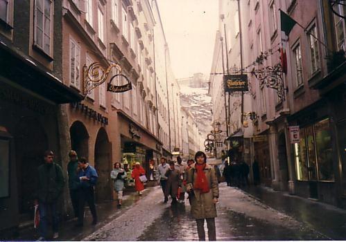 サルツブルグの目抜き通り、ゲトライドガッセ 1988年