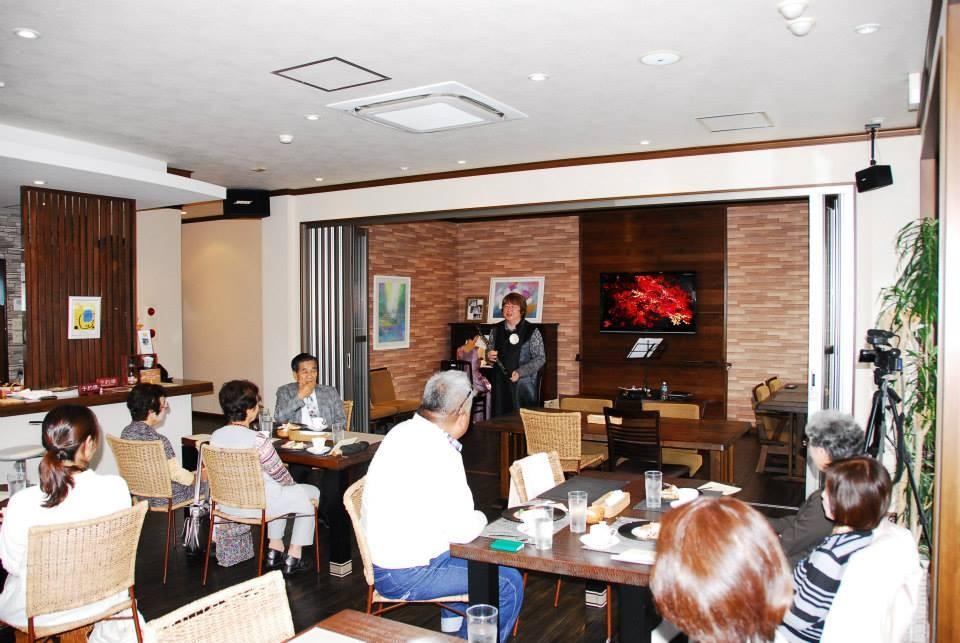 広島市西区商工センターオープンカフェ「ラ・パレッタ」コンサート