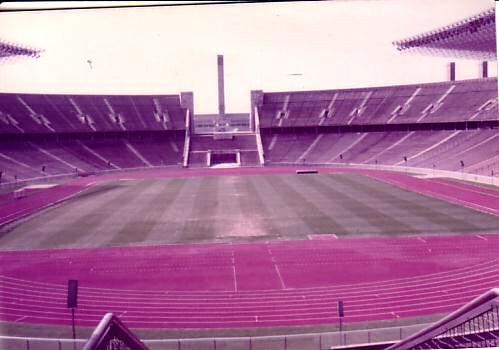 ベルリンのオリンピックスタジアム!2006年に大幅改築される前の写真です