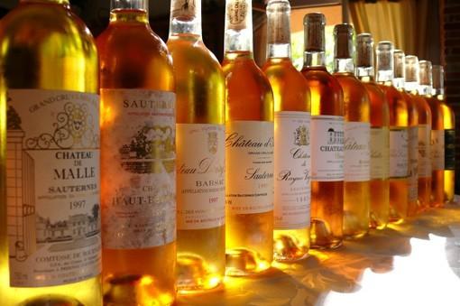 au coeur du vignoble bordelais, pratiquer l'oenotourisme et déguster des vins de qualité ...