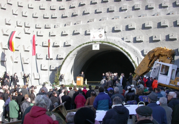 Lohbergtunnel bei Darmstadt