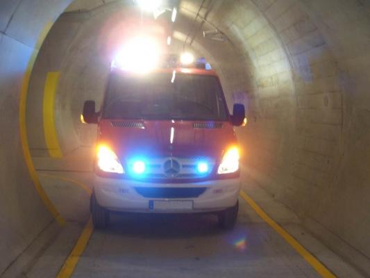 Querschnitte von Rettungsstollen bei langen Tunneln