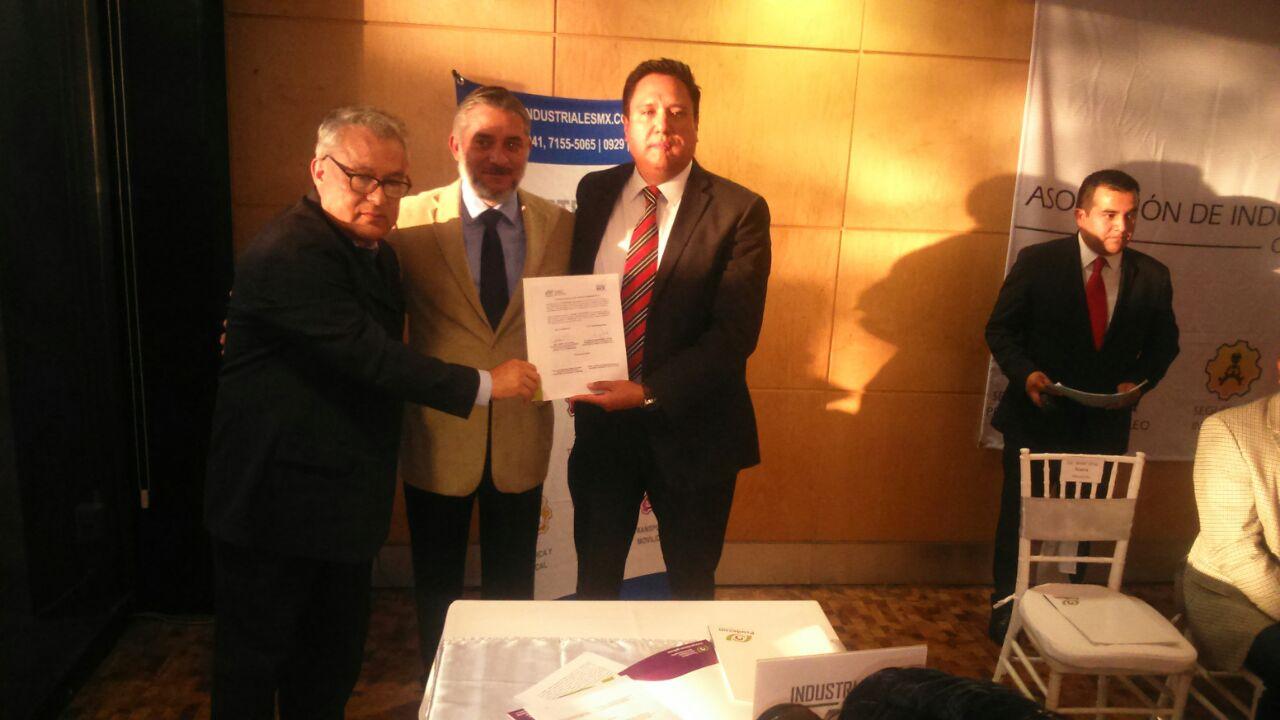 Firma convenio Prodecon-IndustrialesMX