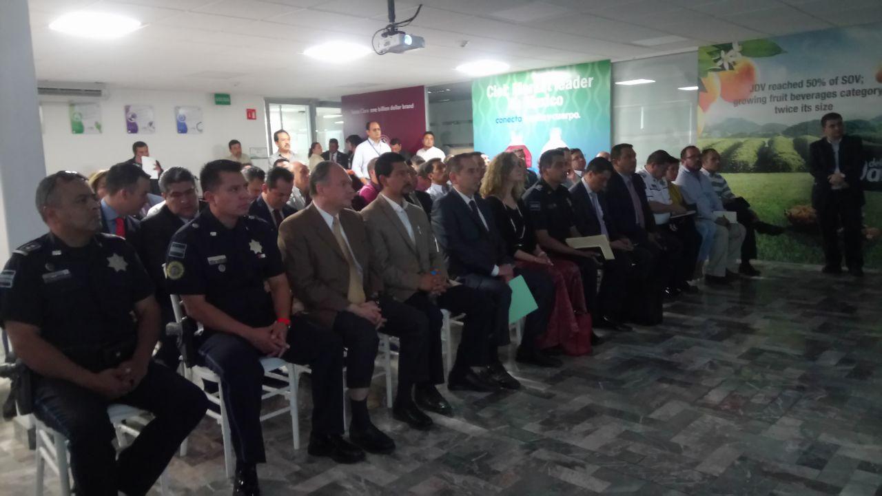Reunión con policía federal, estatal y municipales  en Jugos del Valle