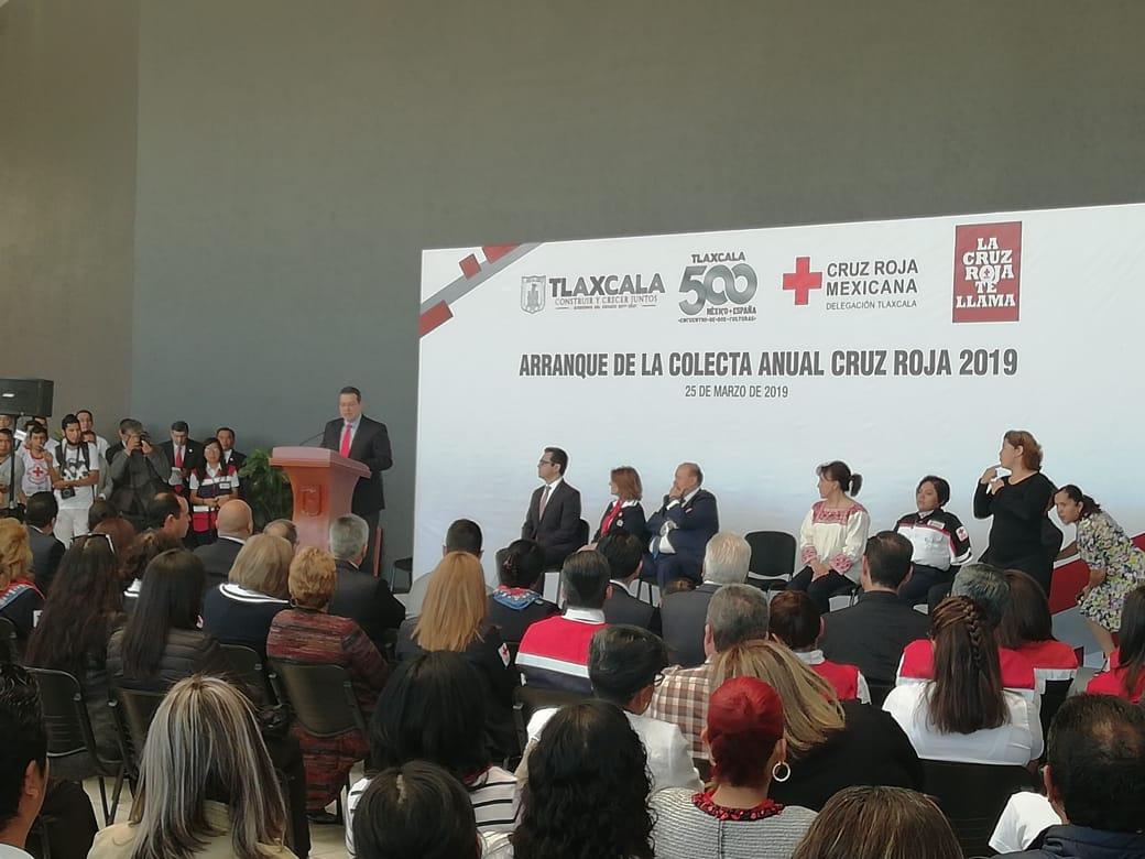 Ceremonia de colecta de la Cruz Roja con Gobernador de Tlaxcala