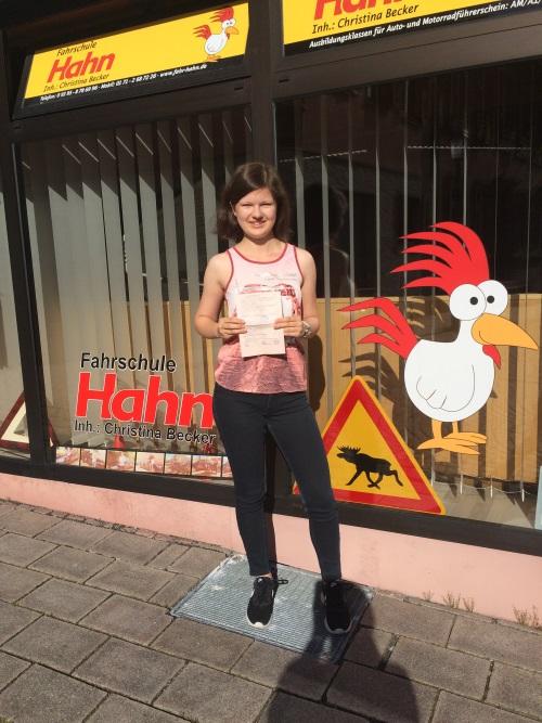 Anika Losereit, Autoführerschein am 31.05.2017 in Marktheidenfeld