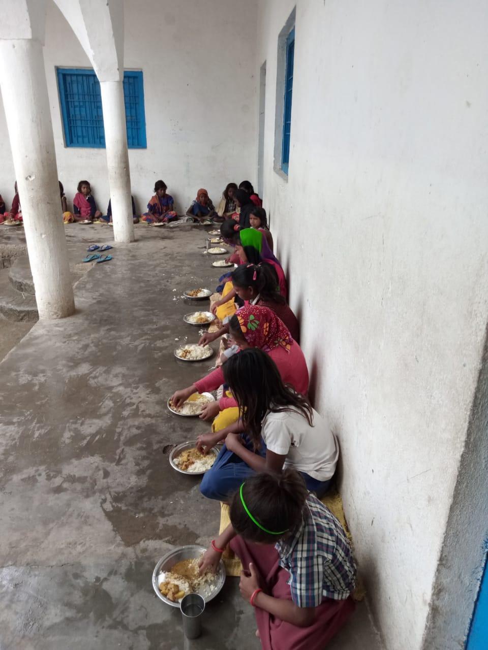 Le déjeuner à l'école.