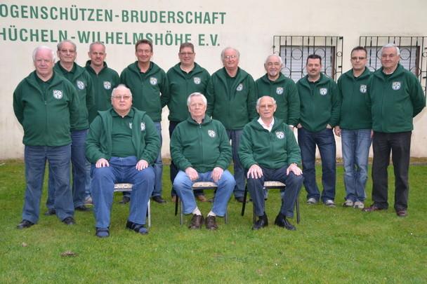 Die Bruderschaft St. Rochus Hücheln - Wilhelmshöhe hat in unserer Geschichte 13 x den Mannschafts - Meister - Titel errungen. Die Mannschaft  2012,  als 6. stehend von links: Mannschaftsführer und 1. Schießmeister HEINZ MAUERMANN * * * ( Foto :  privat )