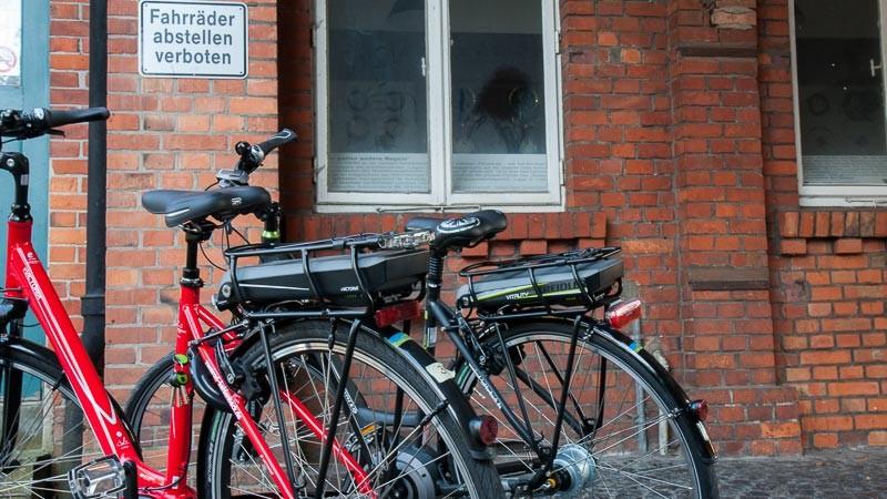 """Foto: Andreas Hartwig, Bild zeigt ein Fahrrad von Zweirad Kehlenbeck auf dem Nordwolle-Gelände in Delmenhorst, Bildstrecke """"unterwegs in Delmenhorst"""""""